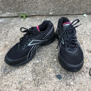 Reebok smooth fit athletic shoes